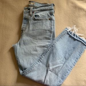 Levi's wedgie straight Jeans!